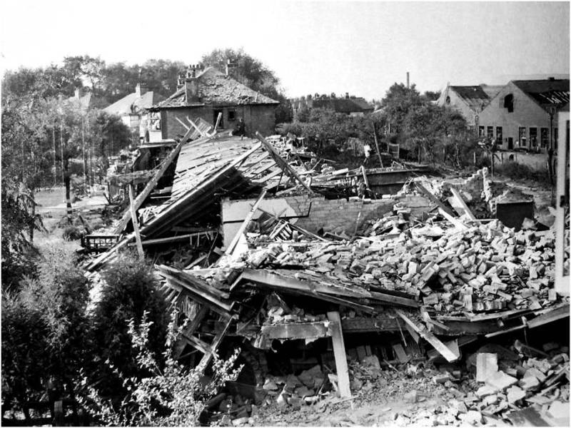 Some Ministry of Home Security files include photographs, like this one of bomb damage to houses in Kew in 1944. (Document reference: HO 192/862)