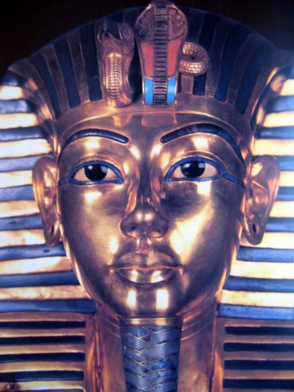 Tutankhamun death mask. Juliette Desplat