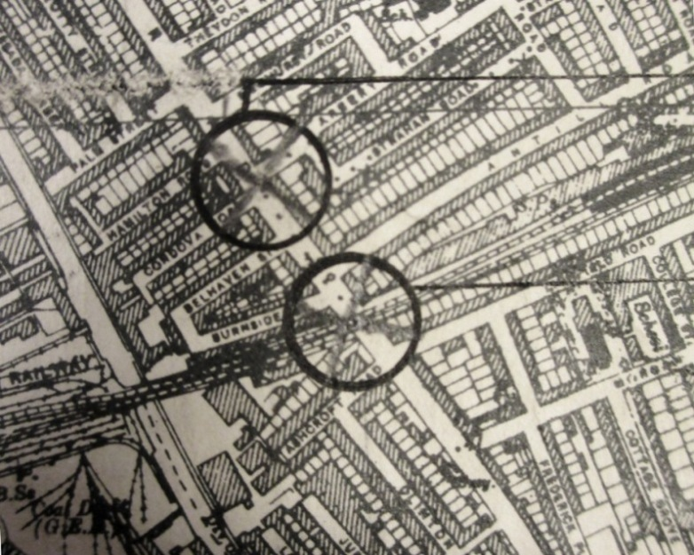 Detail from a Bomb Census map. The Grove Road V1 bomb is the lower of the two shown here. Catalogue reference: HO 193/50, map sheet 56/20 SE (A).