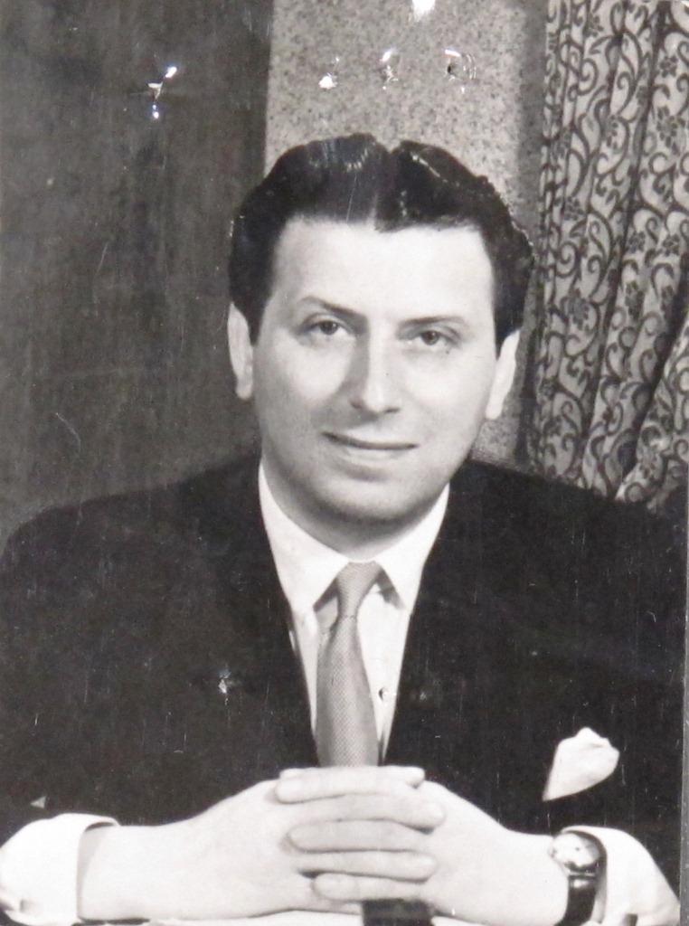 Bernard Delfont ( (HO 405/58498)