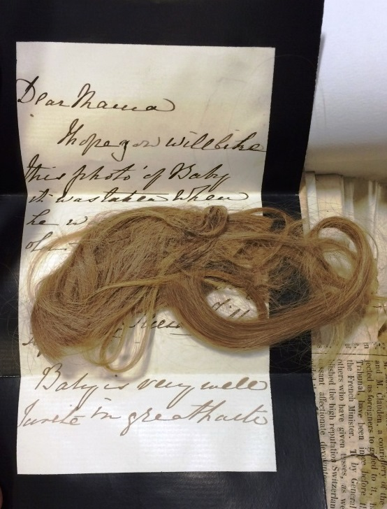 Image of a letter relating to the Tichborne case, including a lock of hair from 19 January 1829 (reference: J 90/1225)