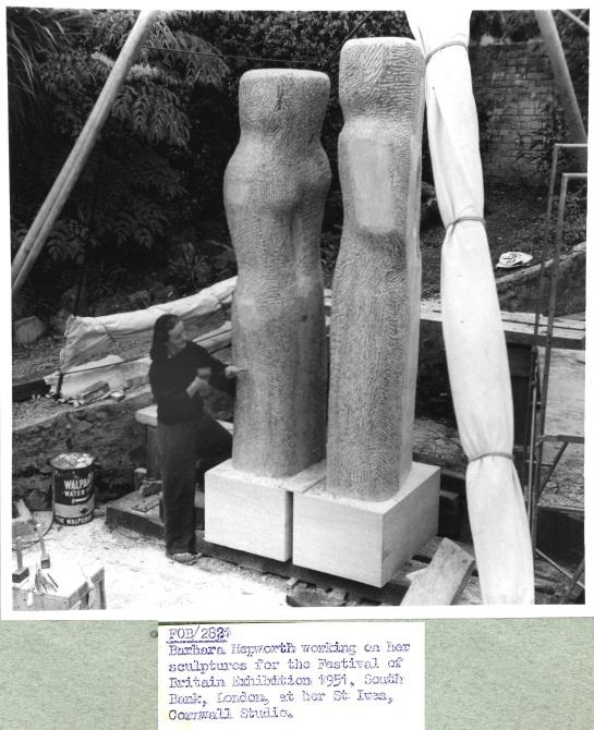Barbara Hepworth at work (catalogue reference: WORK 25/204 (2821))