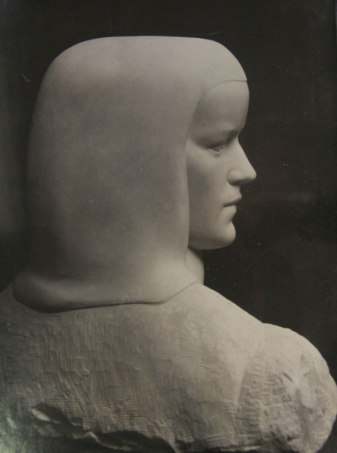 Photograph of 'Head of Barbara Hepworth' by John Skeaping, (c 1925-1927). Document reference: TGA 20132/4/9, Tate Archives. ©Estate of John Skeaping; photography © reserved.