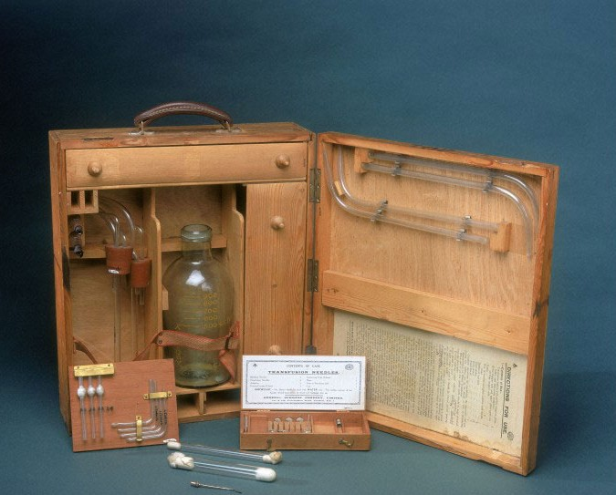 Geoffrey Keynes' mobile blood transfusion equipment