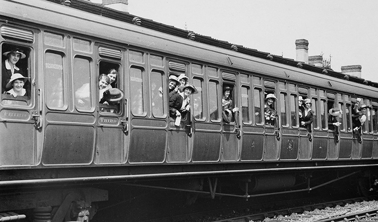 Women's Auxiliary Corps leaving Cardiff by train 1917