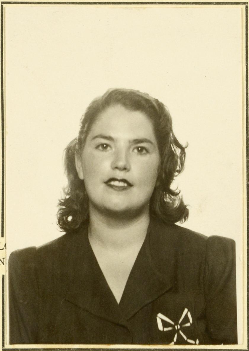 Image of a portrait photograph of Araceli Pujol Garcia