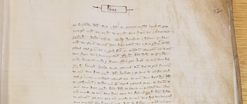 Payment of a ransom in Spring 1360. Chaucer's name can be seen at the end of the fourth and start of the fifth lines [Catalogue reference: E 101/393/11]