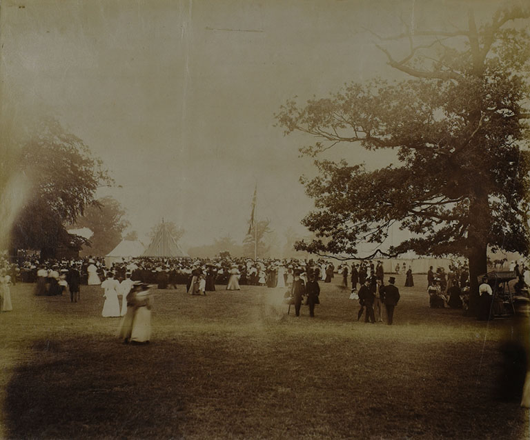 Photograph of flower show held in Old Deer Park, Richmond, 1902
