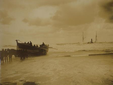 Image of a photograph of the wreck of the SS Escurial at Portreath, Cornwall reference COPY 1/421/984