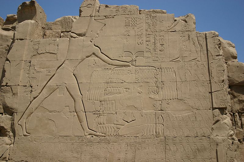 Bas-relief of the temple of Karnak, Luxor, showing Thutmose III after his victory at Megiddo (© Juliette Desplat)