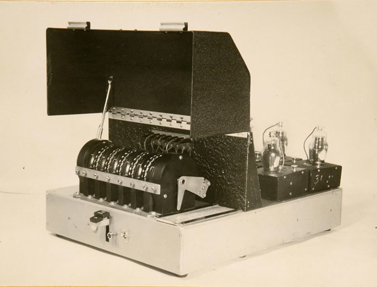 Delilah code machine, 1946. Catalogue ref: HW 25/36.