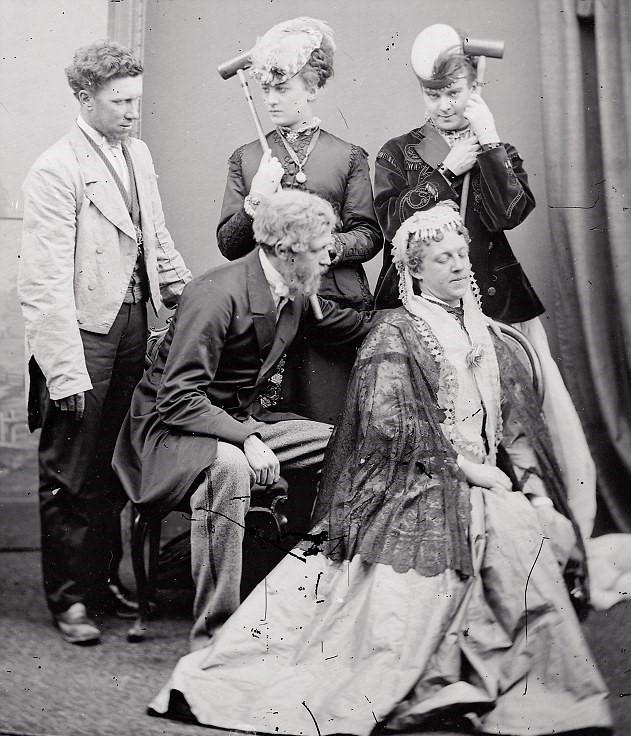 A photograph from around 1869 showing Stella and Fanny (back centre and right) as part of a theatrical troupe that toured Britain together.