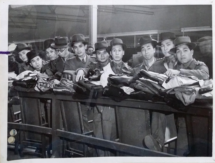 Group of Siamese students at Eastern Warfare School, India.