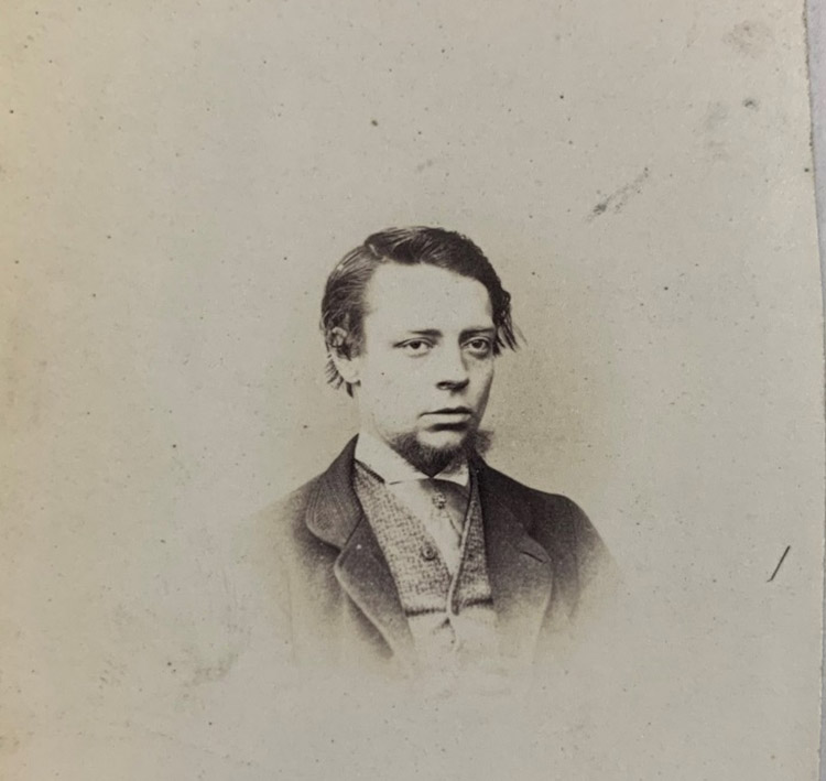 Photograph of Charles Moore, vignette, ¾ face and bust.